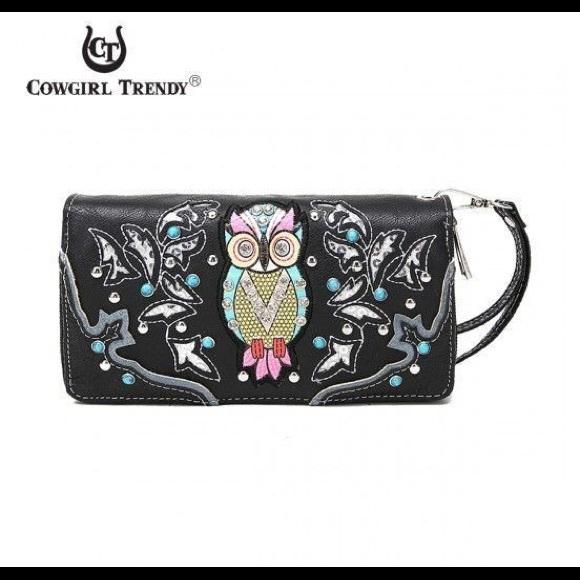 Blue Heaven Bags | Black Bag Owl Wristlet